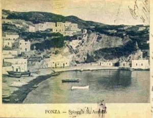Spiaggia fino al grottone di Giancos