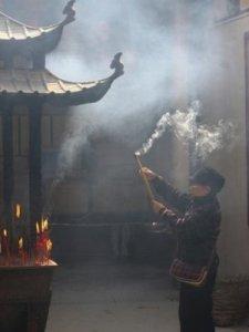 orazione nel templo Kun Iam