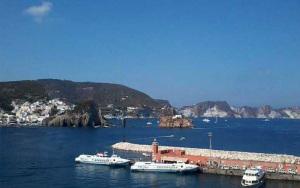 Aliscafi nel porto di Ponza