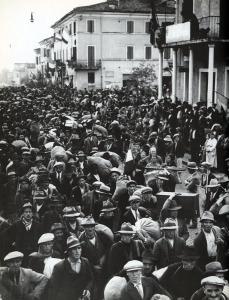 Coloni a Littoria. 1934