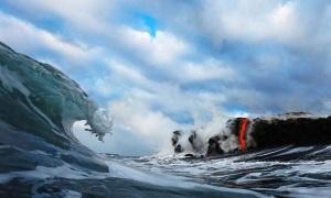 Vulcano Kilauea foto eruzione in acqua