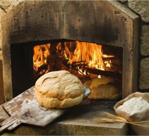 Il pane tirato fuori dal forno
