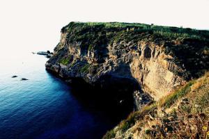 Scogliera dell'isola di Ventotene