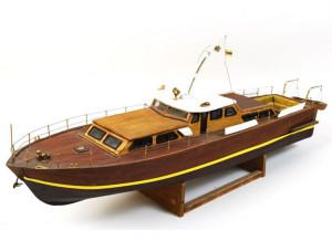 Modellino di un antico cabinato  dei Cantieri di Chiavari. Italia anni '50. Lunghezza cm 80