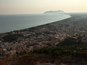 Panorama verso il Circeo. Di giorno