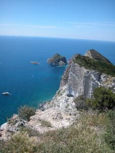 Le rocce bianche sopra Vardella