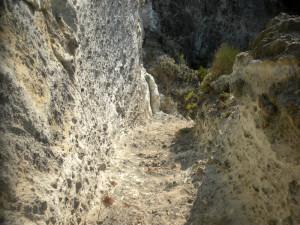 Scalini intagliati nella roccia