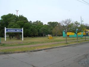 Antigua estación de tren y cartel