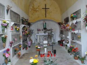 L'interno di una cappella copia