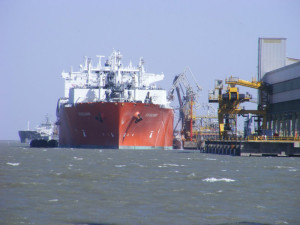 Supertanker at Ingeniero White Harbour