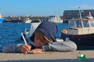 017 IsolaMondo, ultimo dario sul porto di Marina di Campo