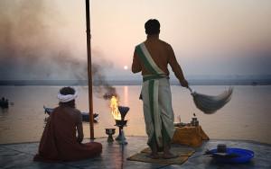 Varanasi. Alba sul Gange
