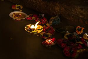 Varanasi. Lumini