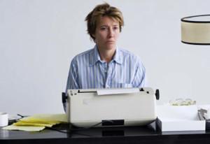 vero-come-la-finzione. Typewriter