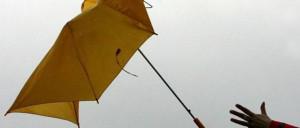 Forte-vento. Attenzione agli ombrelli