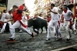 Pamplona-47-feriti-alla-tradizionale-corsa-dei-tori-di-San-Firmino