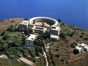 L'isola di Santo Stefano con il carcere