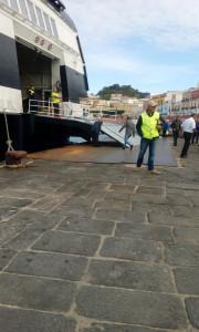 Don Francesco. Incompleta apertura della passarella