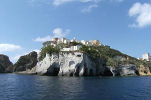 Cimitero e Grotte-di-Pilato