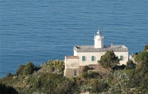 Faro di Punta Polveraia isola d'Elba