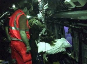 Foto 27 Una fase del soccorso in un elicottero militare