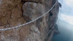 Gaeta scalatore greenpeace per stop alle trivelle
