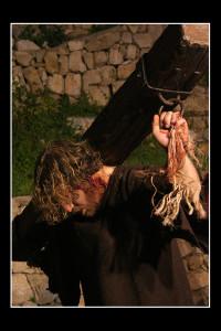 aiuto a Gesù (foto di enzo di fazio)