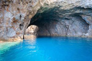 Palmarola. Grotta di Mezzogiorno