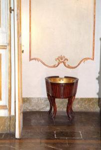 Il bidet della reggia di Caserta