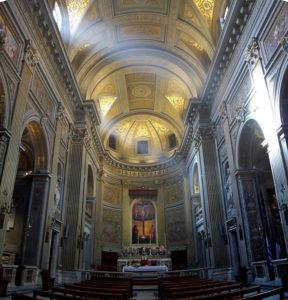 L'interno della Chiesa s. M. Monserrato