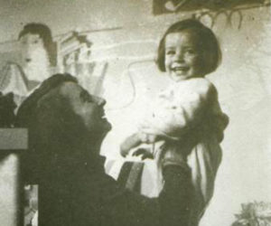 Maria Vitiello con la figlia Enrica. Retail