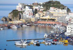 panorama_ponza. Foto da h24notizie.com