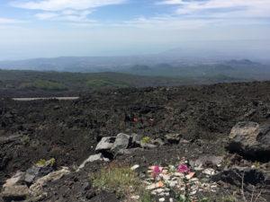 La strada per l'Etna. Terreno e rocce