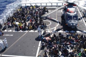 Migranti salvati a bordo della fregata Bergamini