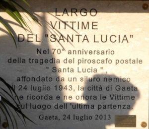 Largo-vittime-del-Santa-Lucia-a-Gaeta-f.p.g.c.-Carlo-Di-Nitto-a-www.lavocedelmarinaio.com_