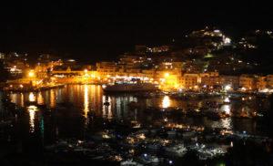 Arrivo_-Le-luci-del-porto