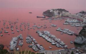 Il-porto-di-Ponza-al-tramonto-Da-Flickr