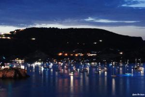Lucciole-sul-mare_-La-rada-di-Frontone_OK_