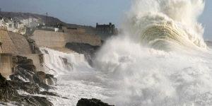 Tempesta dell'ottobre 2013 sulle coste della Bretagna