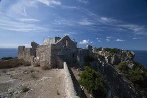 Zannone. Resti del vecchio monastero