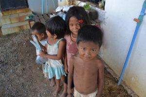 bambini-a-phnom-penh-1