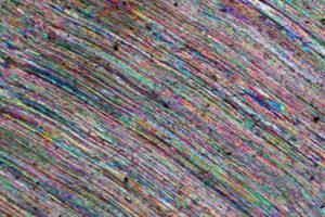 fibre-di-calcite-in-una-vena-x20