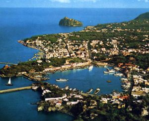 ischia-porto-veduta-aerea