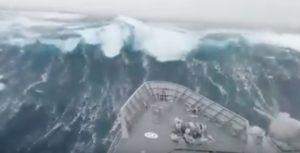 nave-nella-tempesta